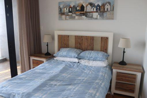 907-quayside-durban-beach-queen-bedroom-2