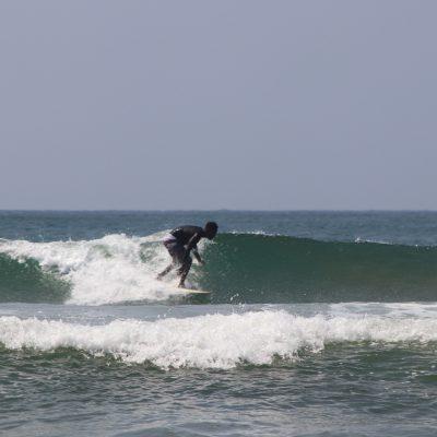 coach-siya-surfing