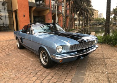 ford-mustang-on-the-point-waterfront-canals