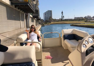 relax-on-the-pontoon-boat-tour-cruises