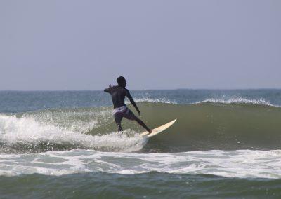 siya-surfing-moyos