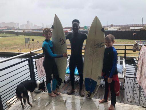 surfing-lesson-samuel-chrisa